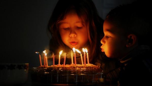 友達の誕生日ケーキに英語メッセージ・短くデコペンで使える例文
