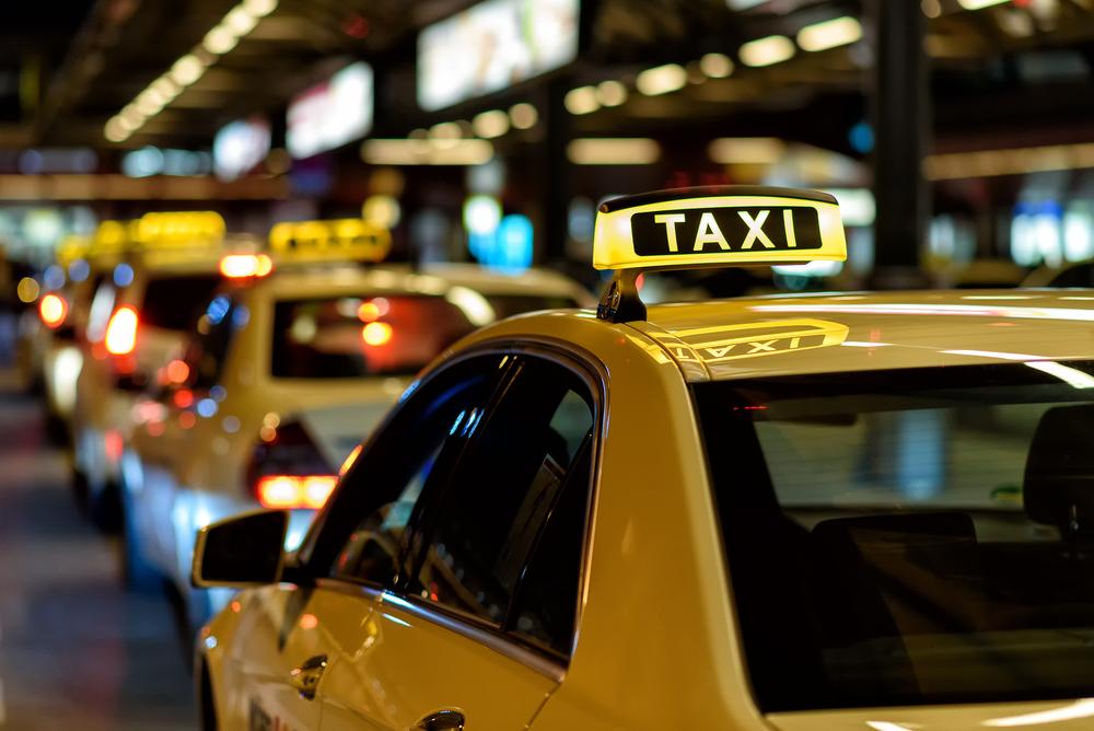 初めての海外旅行!【タクシー】で使える英会話フレーズ集