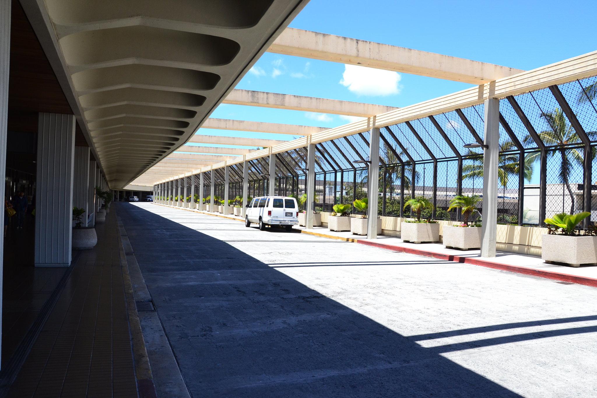 【ホノルル国際空港】レンタカーの借り方と返却方法のまとめ